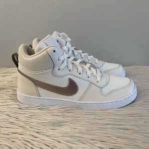 New Nike Court Borough Mid